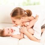 FELITIA Madre e hijo riendo